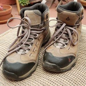 Vasque Balance Hiking Boot